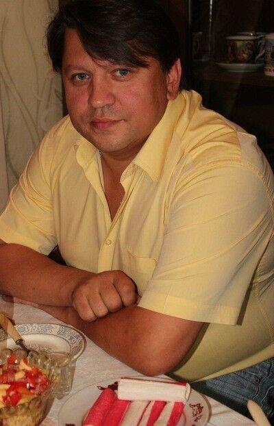 Знакомства Бежецк, фото мужчины Олег, 51 год, познакомится для флирта, любви и романтики, cерьезных отношений