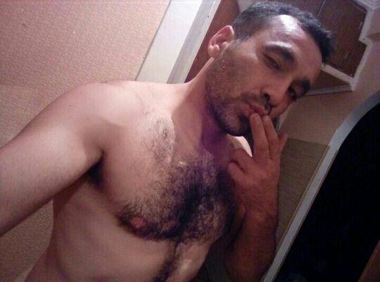 Знакомства Форос, фото мужчины Bacho, 35 лет, познакомится для флирта, любви и романтики, cерьезных отношений